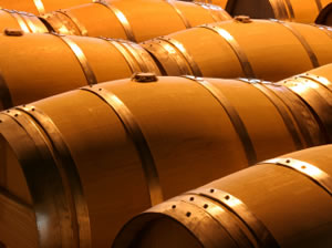 Do Oak Barrels Affect Wine Prices?